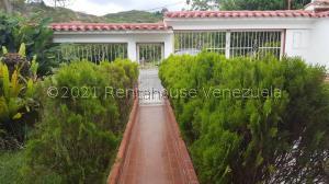 Townhouse En Ventaen Los Teques, San Homero, Venezuela, VE RAH: 21-28065