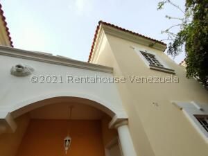 Townhouse En Alquileren Maracaibo, Avenida Universidad, Venezuela, VE RAH: 21-28078