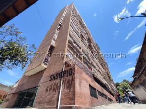 Apartamento En Ventaen Los Teques, Los Teques, Venezuela, VE RAH: 22-63