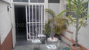 Apartamento En Alquileren Caracas, Los Palos Grandes, Venezuela, VE RAH: 21-28134