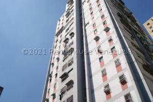 Apartamento En Ventaen Caracas, Caricuao, Venezuela, VE RAH: 21-28130