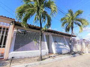 Casa En Ventaen Cabudare, Almarriera, Venezuela, VE RAH: 21-28147