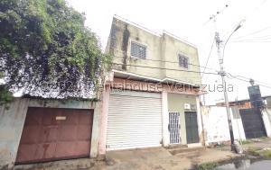 Local Comercial En Alquileren Maracay, Santa Rosa, Venezuela, VE RAH: 21-28142