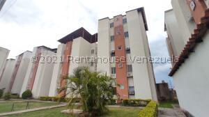 Apartamento En Ventaen Turmero, Conjunto Residencial Los Angeles, Venezuela, VE RAH: 21-28141