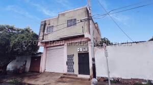 Local Comercial En Alquileren Maracay, Santa Rosa, Venezuela, VE RAH: 21-28144