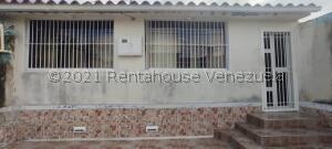 Casa En Ventaen Cabudare, Parroquia José Gregorio, Venezuela, VE RAH: 21-28188