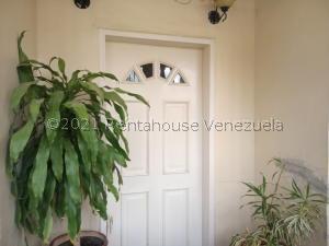 Casa En Ventaen Turmero, El Macaro, Venezuela, VE RAH: 22-4059