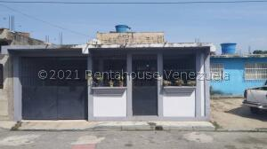 Casa En Ventaen Municipio Miguel Peña, Lomas Del Funval, Venezuela, VE RAH: 22-807