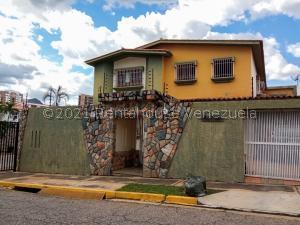 Casa En Ventaen Valencia, El Bosque, Venezuela, VE RAH: 22-27