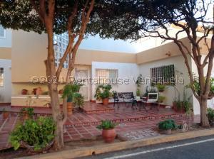 Townhouse En Ventaen Maracaibo, Doral Norte, Venezuela, VE RAH: 22-69