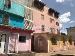 Apartamento En Ventaen Ciudad Bolivar, La Paragua, Venezuela, VE RAH: 22-154