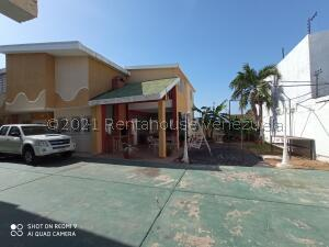 Townhouse En Ventaen Maracaibo, Cumbres De Maracaibo, Venezuela, VE RAH: 22-115