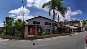 Casa En Ventaen Caracas, La Lagunita Country Club, Venezuela, VE RAH: 22-122