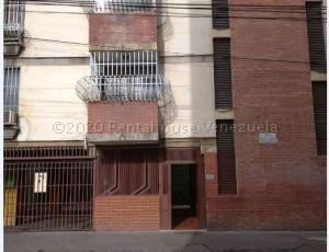 Apartamento En Ventaen Maracay, Zona Centro, Venezuela, VE RAH: 22-121