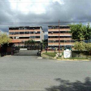 Apartamento En Ventaen Guarenas, Ciudad Casarapa, Venezuela, VE RAH: 22-133