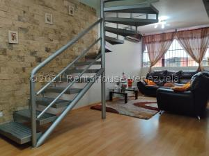 Apartamento En Ventaen Guarenas, Nueva Casarapa, Venezuela, VE RAH: 22-674