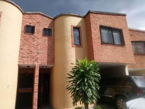 Townhouse En Ventaen Municipio Naguanagua, La Entrada, Venezuela, VE RAH: 22-157