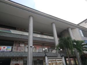 Local Comercial En Ventaen Valencia, Los Sauces, Venezuela, VE RAH: 22-226