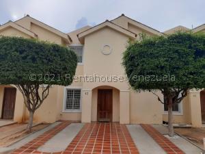 Townhouse En Ventaen Maracaibo, Avenida Milagro Norte, Venezuela, VE RAH: 21-9289