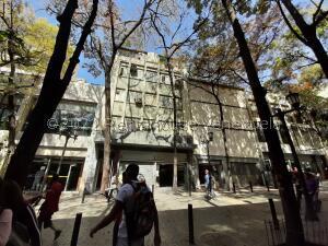 Edificio En Ventaen Caracas, Parroquia Catedral, Venezuela, VE RAH: 22-256