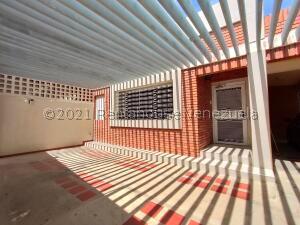 Oficina En Alquileren Maracaibo, Tierra Negra, Venezuela, VE RAH: 22-261