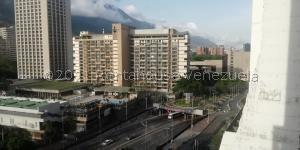 Apartamento En Ventaen Caracas, Parque Central, Venezuela, VE RAH: 22-379