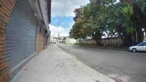 Terreno En Ventaen Valencia, Avenida Bolivar Norte, Venezuela, VE RAH: 22-429