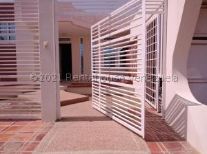 Casa En Ventaen Punto Fijo, Puerta Maraven, Venezuela, VE RAH: 22-460