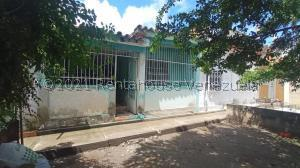 Casa En Ventaen Cagua, Prados De La Encrucijada, Venezuela, VE RAH: 22-470