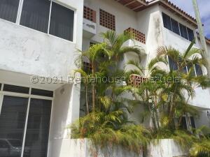 Apartamento En Ventaen Margarita, Sector San Lorenzo, Venezuela, VE RAH: 22-495