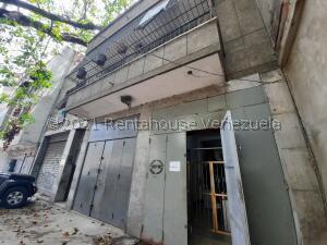 Edificio En Ventaen Caracas, Catia, Venezuela, VE RAH: 22-582