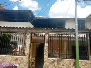 Casa En Ventaen El Consejo, La Zona Centro, Venezuela, VE RAH: 22-7641