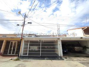 Townhouse En Ventaen Turmero, Valle Paraiso, Venezuela, VE RAH: 22-700