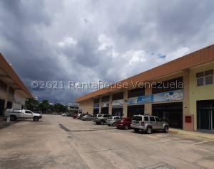 Local Comercial En Ventaen Valencia, San Blas, Venezuela, VE RAH: 22-3444