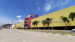 Local Comercial En Ventaen Valencia, El Bosque, Venezuela, VE RAH: 22-710