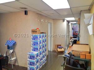 Oficina En Ventaen Caracas, El Paraiso, Venezuela, VE RAH: 22-960