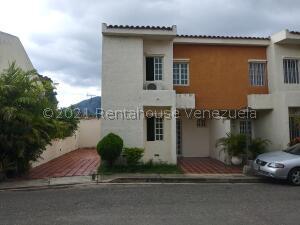 Townhouse En Ventaen Municipio Naguanagua, Barbula, Venezuela, VE RAH: 22-1228