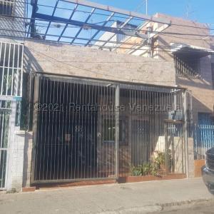 Casa En Ventaen Caracas, Catia, Venezuela, VE RAH: 22-818
