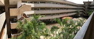 Apartamento En Ventaen Higuerote, Club Campestre El Paraiso, Venezuela, VE RAH: 22-3010