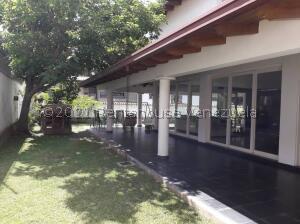 Casa En Ventaen Caracas, Los Naranjos Del Cafetal, Venezuela, VE RAH: 22-834