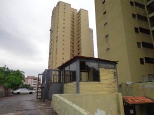 Apartamento En Ventaen Municipio Naguanagua, Casco Central, Venezuela, VE RAH: 22-907