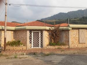 Casa En Ventaen Valera, El Country, Venezuela, VE RAH: 22-901