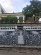 Casa En Ventaen Guarenas, Guarenas, Venezuela, VE RAH: 22-943