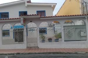 Edificio En Ventaen Barquisimeto, Del Este, Venezuela, VE RAH: 22-1489