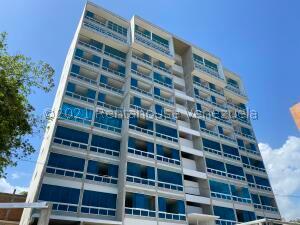 Apartamento En Ventaen Catia La Mar, Playa Grande, Venezuela, VE RAH: 22-1024