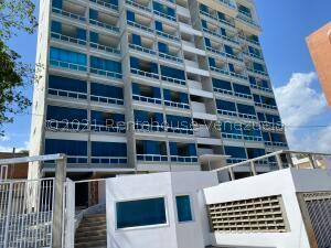 Apartamento En Ventaen Catia La Mar, Playa Grande, Venezuela, VE RAH: 22-1096