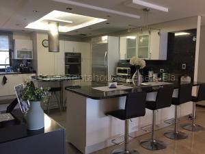 Apartamento En Ventaen Caracas, La Lagunita Country Club, Venezuela, VE RAH: 22-1031
