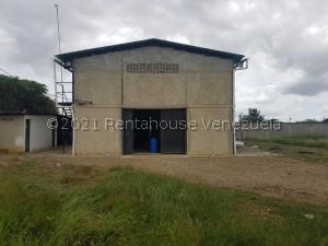 Galpon - Deposito En Ventaen Barquisimeto, Parroquia Tamaca, Venezuela, VE RAH: 22-1033