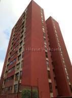 Apartamento En Ventaen San Antonio De Los Altos, El Picacho, Venezuela, VE RAH: 22-1047