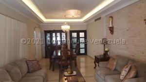Casa En Ventaen Cabimas, Ambrosio, Venezuela, VE RAH: 22-1075